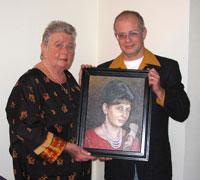 Overhandiging schilderij aan mijn moeder, door Rob de Vries